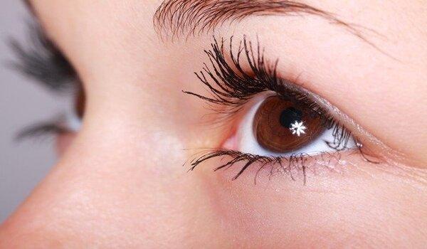Improve Eyesight: आँखों की रोशनी बढ़ाने के लिए घरेलू उपाय