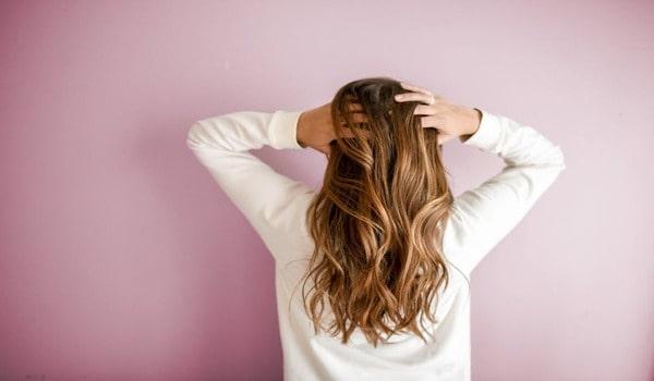 Monsoon Haircare: मानसून में कैसे करें बालों की देखभाल